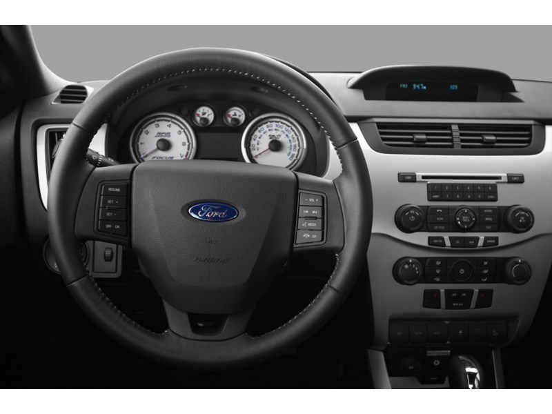 Ottawa S Used 2010 Ford Focus Se In Stock Used Vehicle