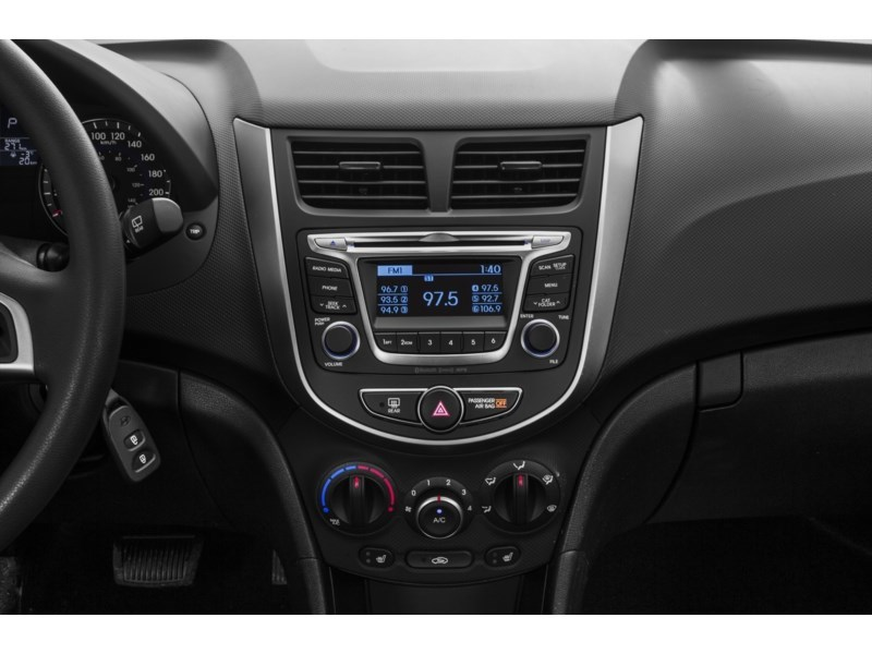 2017 Hyundai Accent SE Interior Shot 2