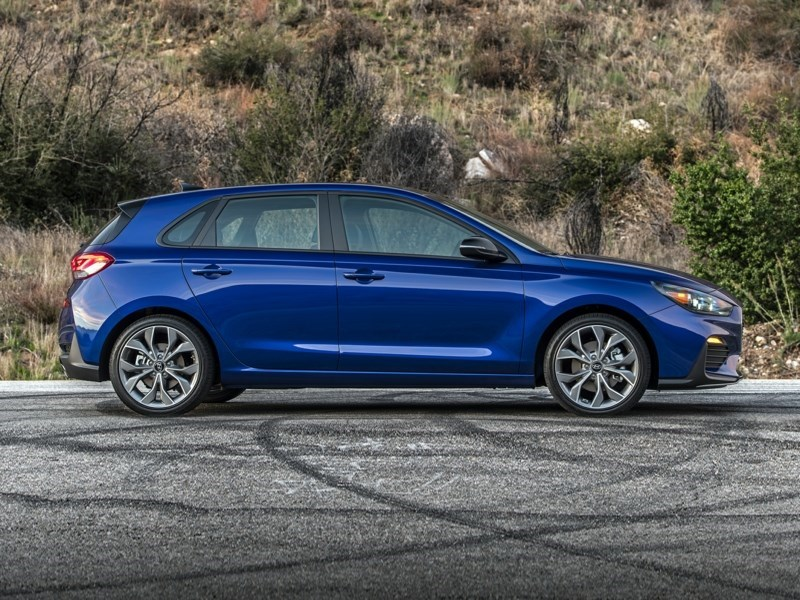 2020 Hyundai Elantra GT Preferred OEM Shot 4